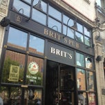 Photo taken at Brit's Pub & Eating Establishment by Rifa C. on 5/22/2012