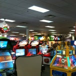 Photo taken at Chuck E. Cheese's by Jennifer Terry M. on 7/19/2011