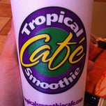 Photo taken at Tropical Smoothie Cafe by Christine G. on 8/31/2011