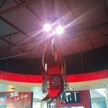 Photo taken at Burger King by Louis C. on 8/25/2011