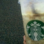 Photo taken at Starbucks by Bernice P. on 8/20/2011