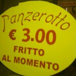 Photo taken at Il Panzerotto Gnam Gnam by Kinder P. on 9/8/2011