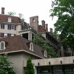 Photo taken at Winterthur Museum, Garden & Library by Lilly V. on 5/5/2012