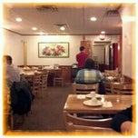 Photo taken at Winsor Dim Sum Cafe by Tessic U. on 11/16/2011