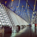 Photo taken at 上海浦东国际机场 Shanghai Pudong Int'l Airport (PVG) by Loocor on 8/12/2012