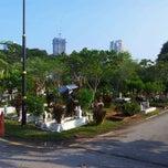Photo taken at Tanah Perkuburan Islam Bukit Kiara by Taufik M. on 8/19/2012