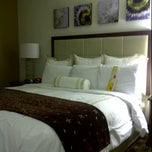 Photo taken at Marriott Houston North at Greenpoint by Mary N. on 8/14/2011