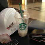 Photo taken at Starbucks (สตาร์บัคส์) by sasisak k. on 3/23/2012