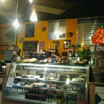 Photo taken at Gold Bar Espresso by Lawrence Y. on 10/16/2011