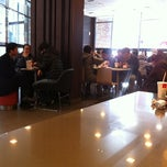 Photo taken at 맥도날드 (McDonald's) by Minny L. on 1/10/2011