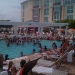 Photo taken at Harrah's Heat Wave Pool Party by Maney K. on 7/16/2011
