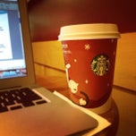 Photo taken at Starbucks by kiptrip on 11/10/2011