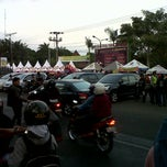 Photo taken at Jalan Soekarno Hatta by hardian p. on 7/23/2012