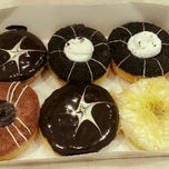 Photo taken at Big Apple Donuts by Bie S. on 9/13/2012