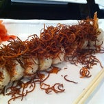 Photo taken at Sushi Hana Fusion Cuisine by Jimena F. on 12/22/2010