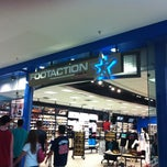Photo taken at Footaction by Caner G. on 8/12/2011