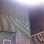Photo taken at Áudio LabSG by Joubert J. on 4/7/2011