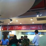 Photo taken at Chipotle Mexican Grill by Noe on 8/29/2012