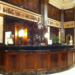 Photo taken at The Seelbach Hilton Louisville by Kelley on 10/3/2011
