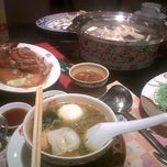 Photo taken at MK (เอ็มเค) by EdT w. on 10/10/2011