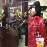 Photo taken at Bench FIX Salon by Arianne J. on 4/12/2012
