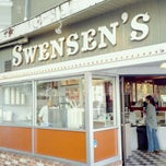 Photo taken at Swensen's Ice Cream by Anthony P. on 1/25/2011