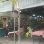 Photo taken at Petimah Marali Gerai No.1 by Roslan T. on 4/22/2011
