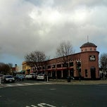 Photo taken at Peet's Coffee & Tea by Gary C T. on 1/21/2012