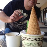 Photo taken at Simply Yo Self Serve Frozen Treats by Kristen T. on 3/14/2012
