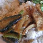 Photo taken at Kim Bau Zai Vegetarian Restaurant by Rly O. on 2/25/2012