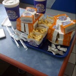 Photo taken at White Castle by Eldeen C. on 9/26/2011