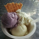 Photo taken at Jeni's Splendid Ice Creams by Patsy T. on 5/13/2012