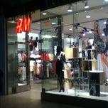 Photo taken at H&M by 茵美 盧. on 8/7/2012