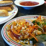 Photo taken at Pizza Hut by Billy G. on 6/26/2012