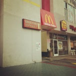 Photo taken at McDonald's by Yuna 🇰🇷 P. on 5/10/2012