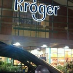 Photo taken at Kroger by Umama K. on 5/24/2012