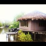Photo taken at The Blue Sky Resort Koh Payam (เดอะบลูสกายรีสอร์ท เกาะพยาม) by Chanchai P. on 5/26/2012