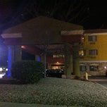 Photo taken at Holiday Inn Express & Suites Albuquerque-N. Balloon Fsta Pk by Thomas V. on 2/18/2012