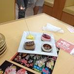 Photo taken at いけす回転すし 金たろう 国府店 by Regu on 7/19/2012