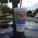 Photo taken at Smoothie King by 🌴Daniel R. on 3/21/2012