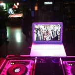 Photo taken at Tiger O'Stylies by DjChosen R. on 3/26/2012