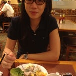 Photo taken at Sizzler by Yeo K. on 2/27/2012