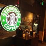 Photo taken at Starbucks by Gian U. on 2/16/2012