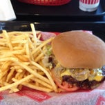 Photo taken at Freddy's Frozen Custard & Steakburgers by Jasen A. on 7/7/2012