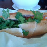 Photo taken at Phở Sinh by Rebecca L. on 8/24/2012