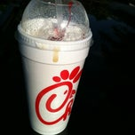Photo taken at Chick-fil-A by Ryoko A. on 5/10/2012