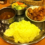 Photo taken at タージマハール 新橋店 by Bo H. on 3/9/2012