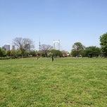 Photo taken at 東京都立木場公園 by Takahisa F. on 4/28/2012