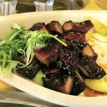 Photo taken at Brother Kuan Roasted Duck by Yiling L. on 8/25/2012