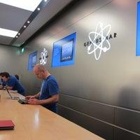 Photo taken at Apple Oriocenter by yottan on 2/19/2012